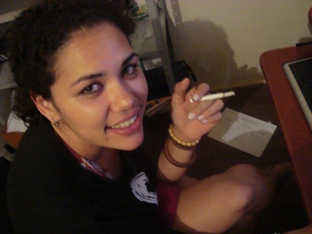 Nina Rizzi cigarro