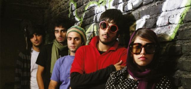 """Cena de """"Ninguém Sabe Sobre os Gatos Persas"""", dirigido por Bahman Ghobadi, sobre a nova cena musical de Teerã"""