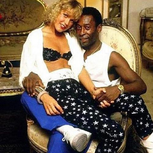 Com a ex-namorada Xuxa, em 1986, Pelé tinha 45 anos, e Xuxa 22. (Antonio Ribeiro)