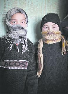 """Estas imágenes fueron tomadas por el fotoperiodista sueco Casper Hedberg durante un viaje a Afganistán en 2013 y forman parte de la serie """"Bacha Posh: niñas afganas criadas como varones"""""""