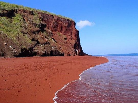 12 – Red Sand Beach, Rábida, Galápagos