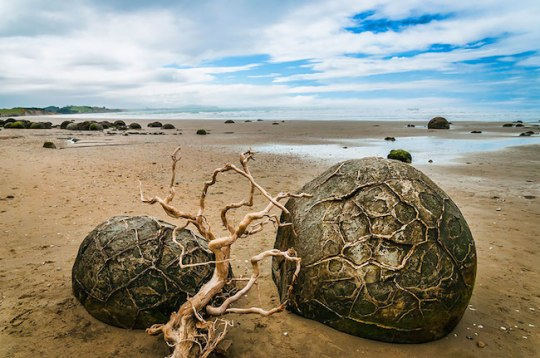 8 – Moeraki Boulders (Ovos de dragões), Koekohe Beach, Nova Zelândia