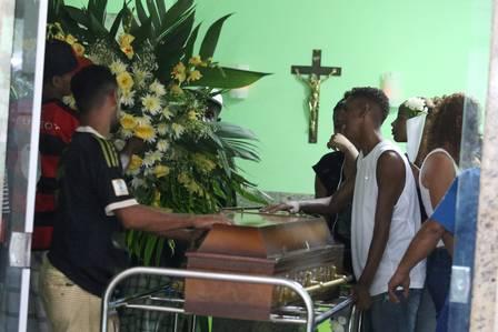 O velório de Patrick Foto Fabiano Rocha / Agência O Globo
