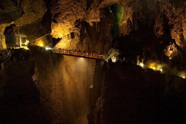 Grutas de Skocjan, Eslovenia. Albergan uno de los más grandes cañones subterráneos del mundo