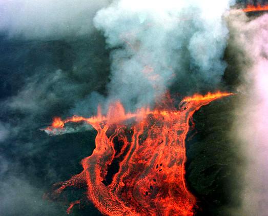 Isla de Reunión. Departamento francés de ultramar en el océano Índico dominado por volcanes
