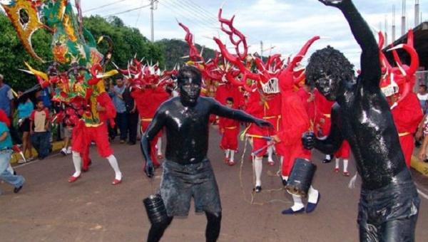 La fiesta tradicional representa una mezcla de diversas culturas de la sociedad que conformó la población minera en el suroriente del país. | Foto- AVN