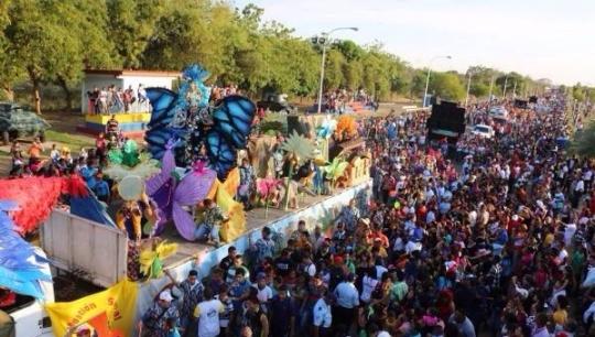 Millones de venezolanos disfrutan en paz el Carnaval 2015