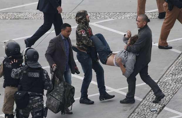 okprotesto-professores-parana1029042015prisao