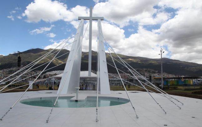 Cruz 2_ Papa Equador