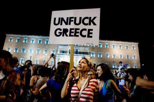 Manifestation de joie dimanche soir après les résultats du référendum donnant plus de 60% en faveur du non. (Photo Akavos Hatzistavrou.AFP)