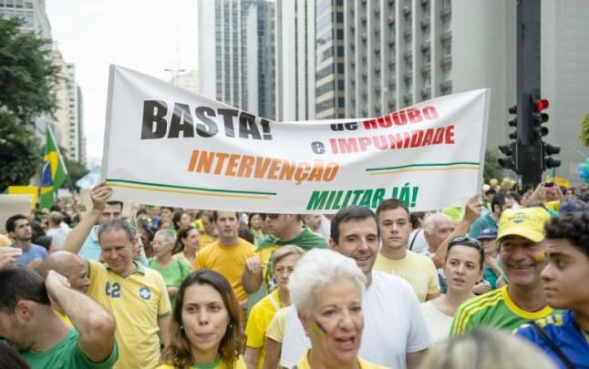 Manifestação na avenida Paulista em 15 de março