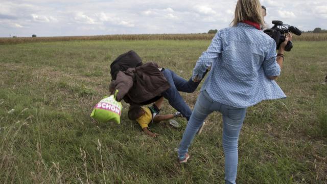 un-mur-de-la-honte-pour-la-journaliste-hongroise